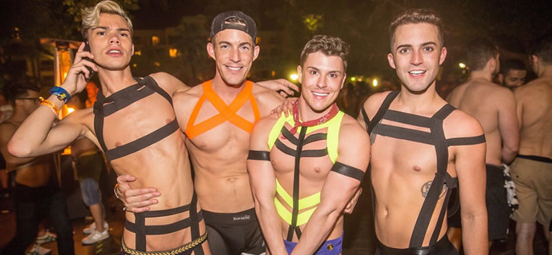 Парни атлетического сложения куражатся на вечеринках — pic 15